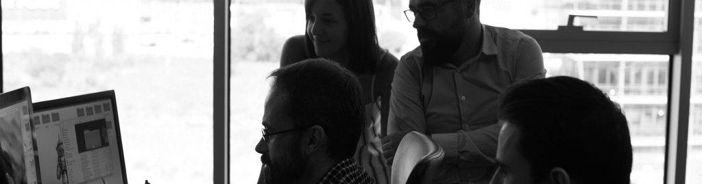 community-manager-campo-de-gibraltar-agencia-adhoc
